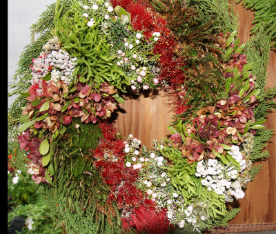 Hawaiian_christmas_wreath_1_sm